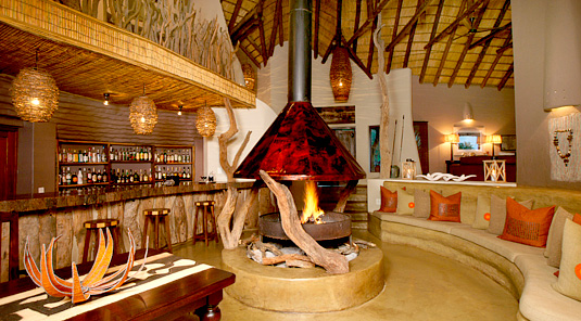 Impodimo Game Lodge - Madikwe Game Reserve - Bar & Fire Place