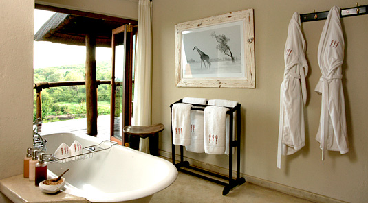 Impodimo Game Lodge - Madikwe Game Reserve - Luxury Suite Bathroom
