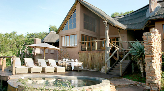 Impodimo Game Lodge - Madikwe Game Reserve - Deck & Swimming Pool