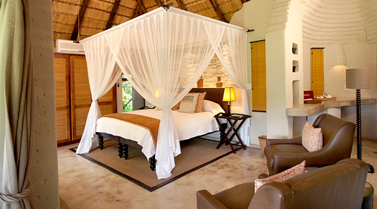 Impodimo Game Lodge - Madikwe Game Reserve - Impodimo Suite
