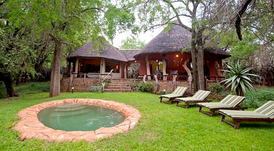 Jaci's Safari Lodge - Madikwe Game Reserve - Safari Suite