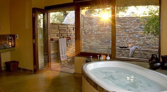 Motswiri Safari Lodge - Bush Villa Bathroom - Madikwe Game Reserve