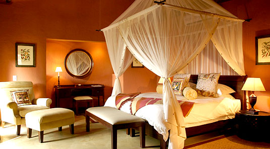 Motswiri Safari Lodge - Luxury Bush Villa Bedroom - Madikwe Game Reserve