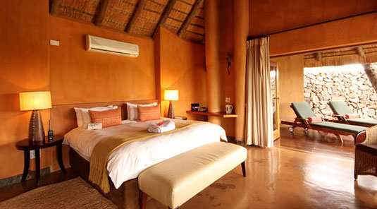 Madikwe Game Reserve - Rhulani Safari Lodge - Luxury Chalet