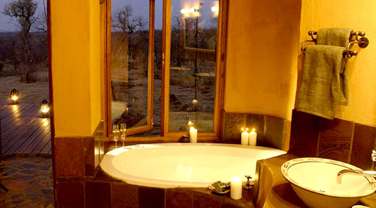 Madikwe Game Reserve - Rhulani Safari Lodge - Chalet Bathroom