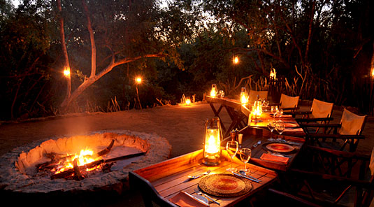 Thakadu River Camp - Lodge Boma Dining - Madikwe Game Reserve